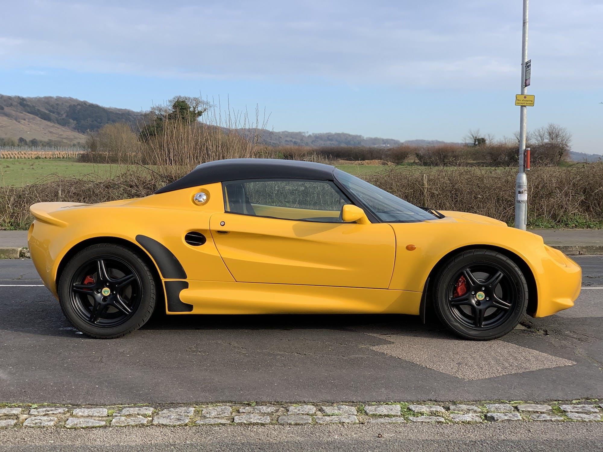 Lotus Elise S1: el ligero y deseado mini-super-deportivo
