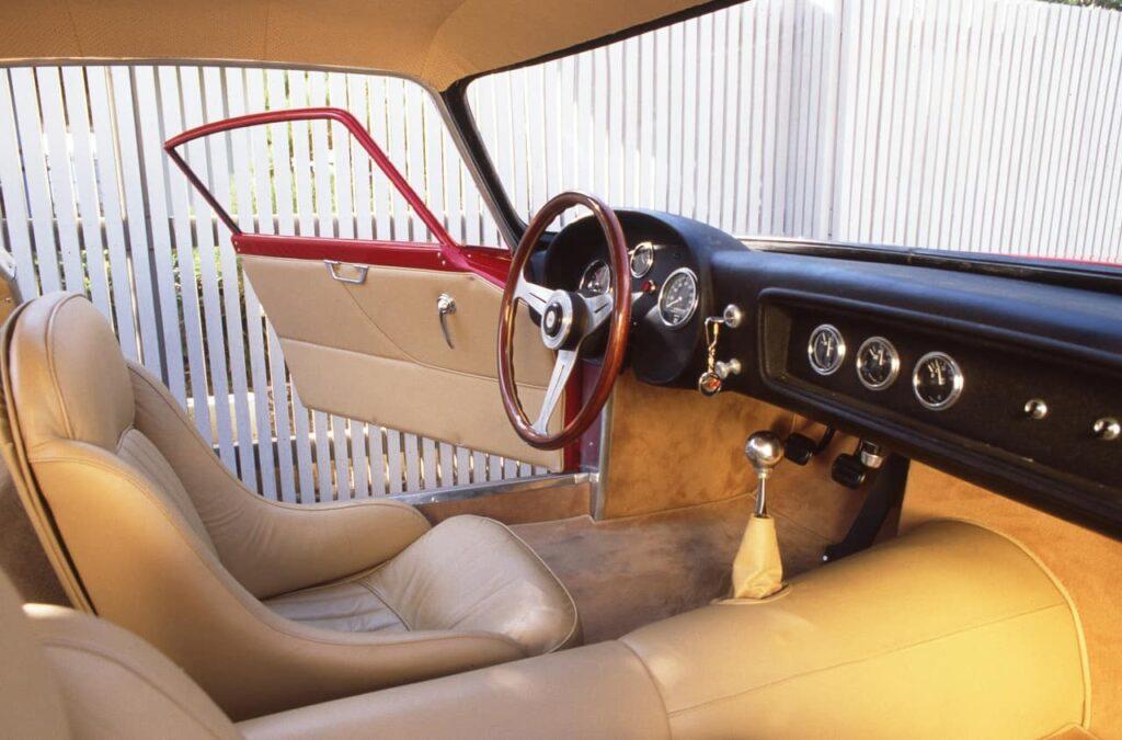 1959 Scaglietti Corvette Nº3. Un interior puramente italiano, alejado de los aburridos interiores americanos