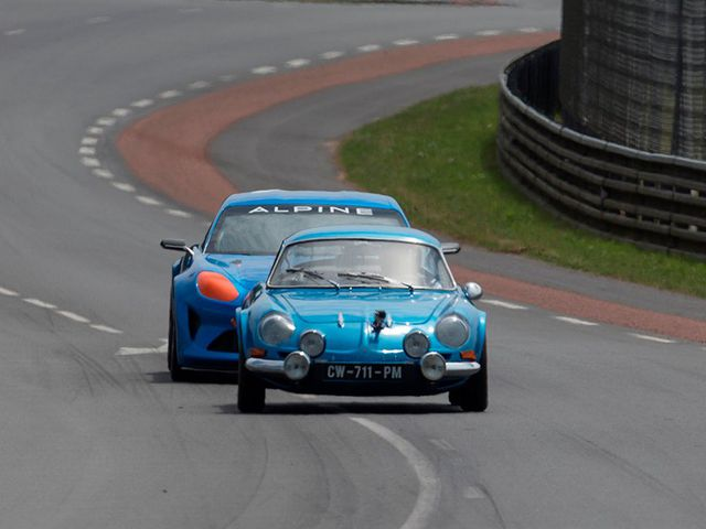 Alpine Celebration Race Car Concept_3