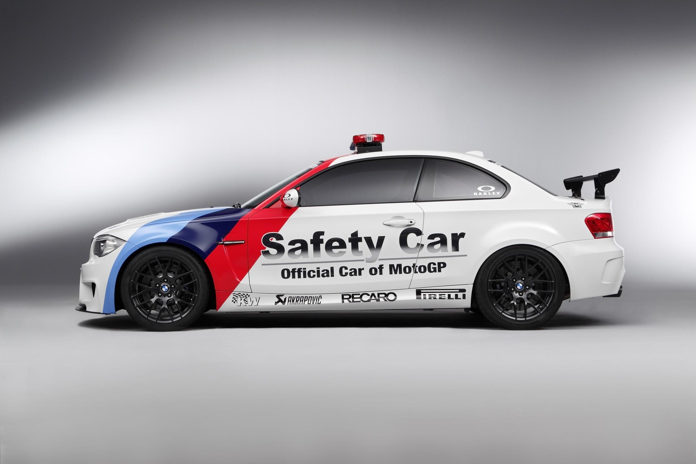 1M Coupé Safety Car_1