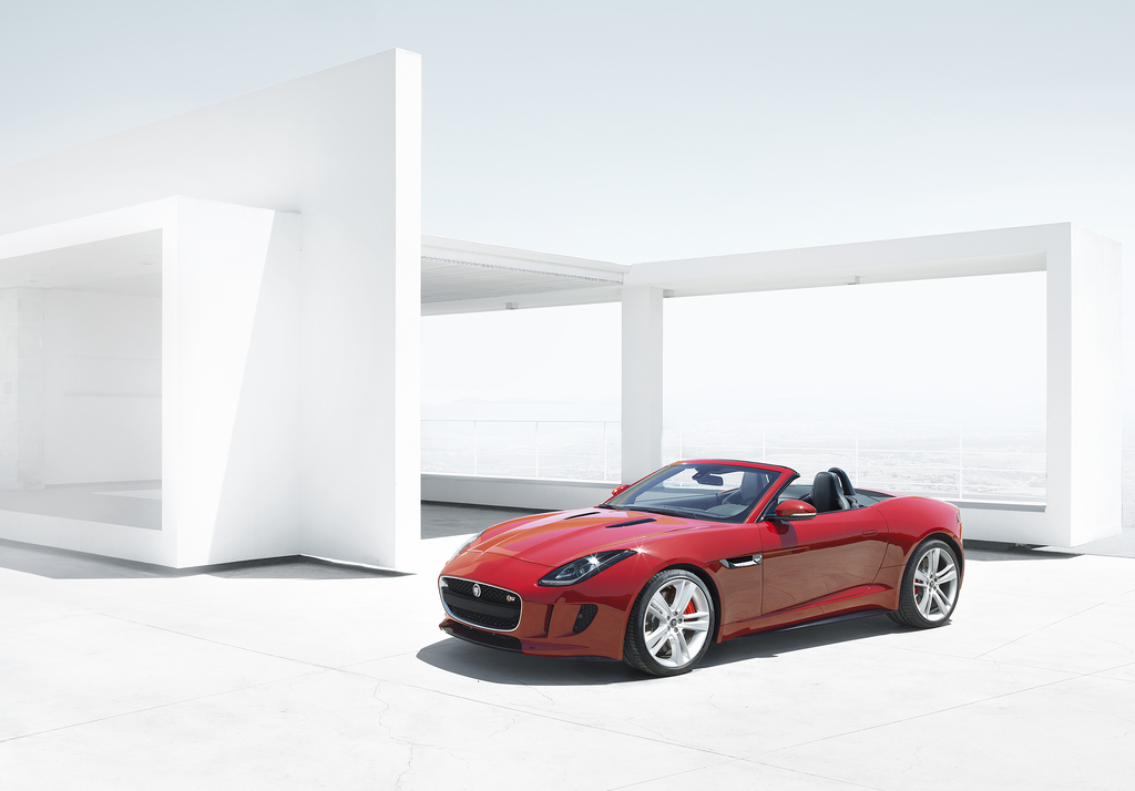 F-Type 2012 Front_01