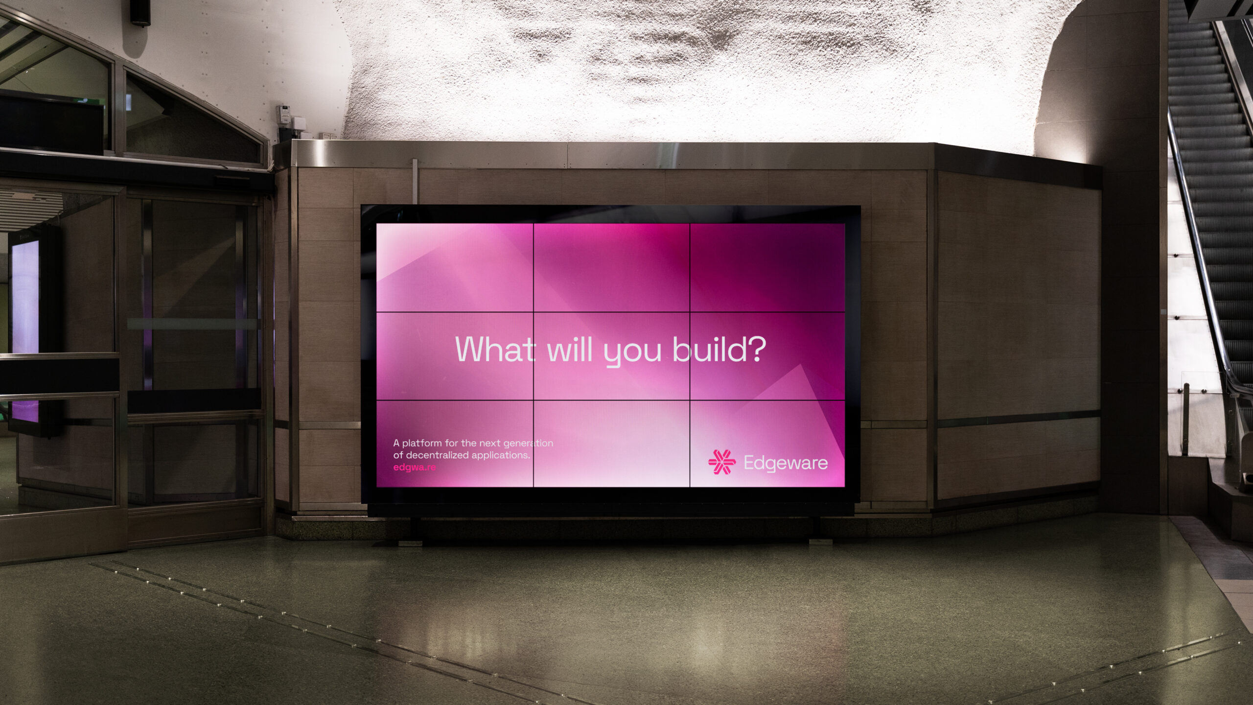 Edgeware out of home digital screen billboard in train station
