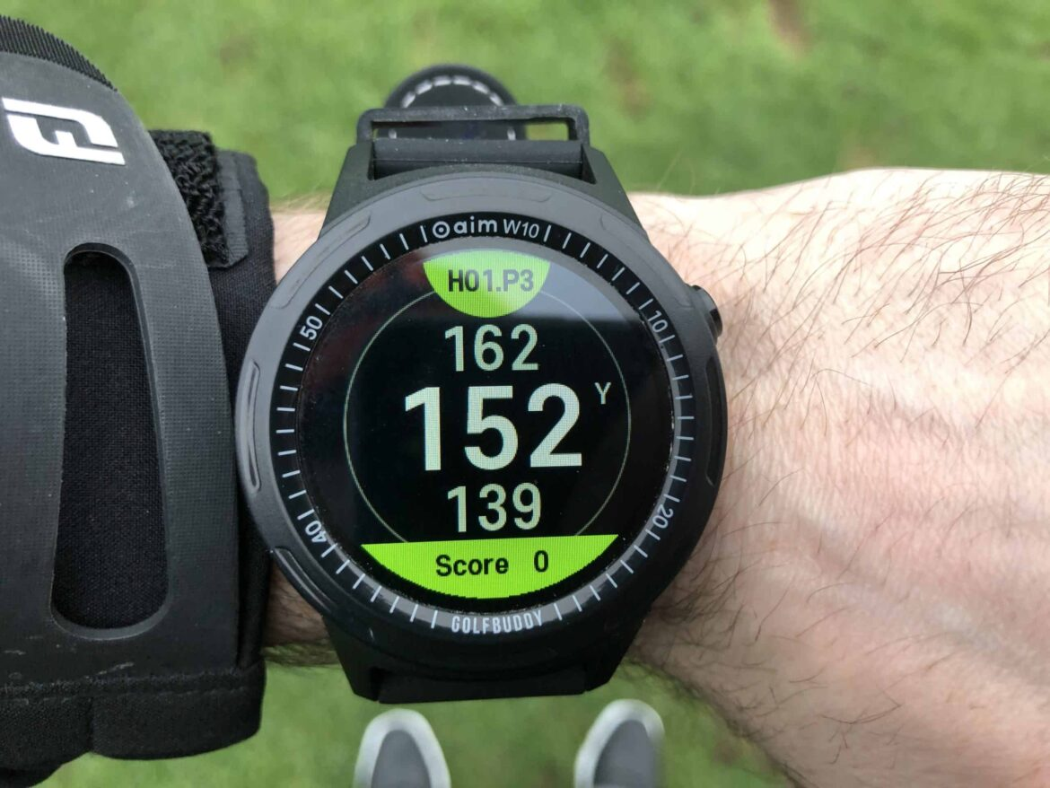Golfbuddy aim W10 GPS watch review