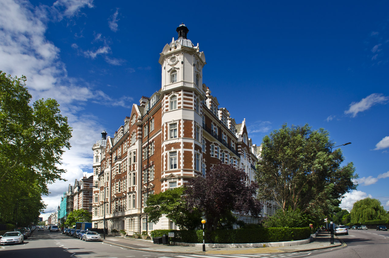 North Gate, London, NW8