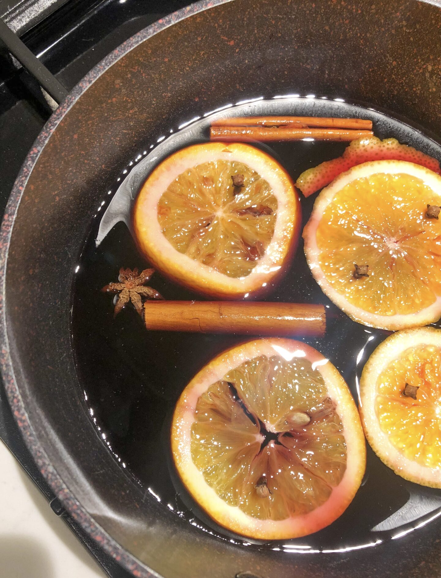 mulled wine saucepan