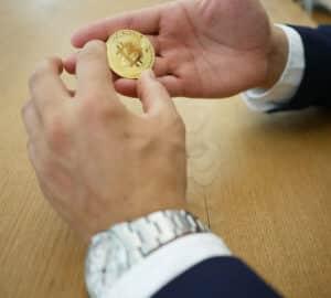 MrCrypto hjälper dig att investera i kryptovalutor