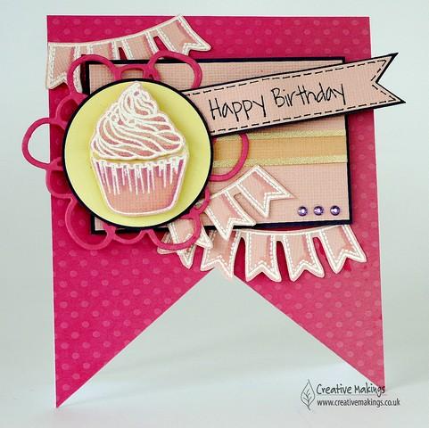 CS29 pennant cupcake