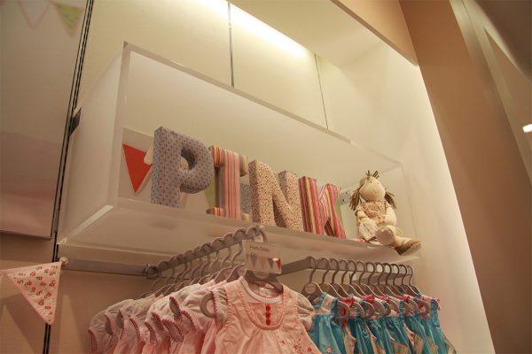 mamas & papas display shelf