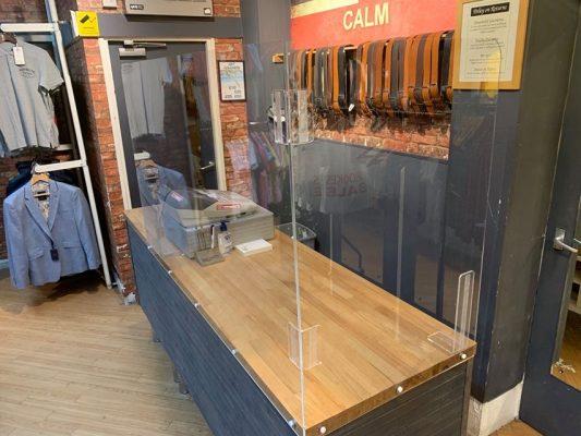 Covid-19 Protective Screens - Cashier Desk 2