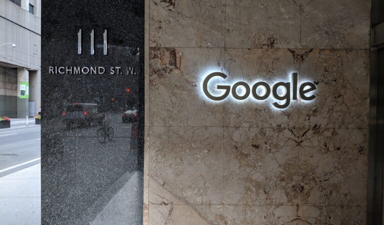 Google will be sued by US regulators as it was accused of breaking competition law in the country