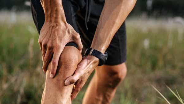 como evitar que te crujan las rodillas