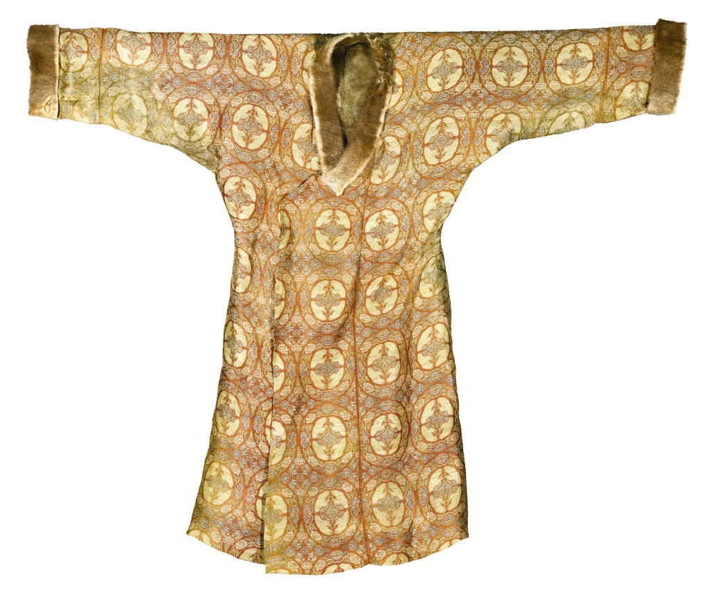19a. Lot 126-Silk lampas robe