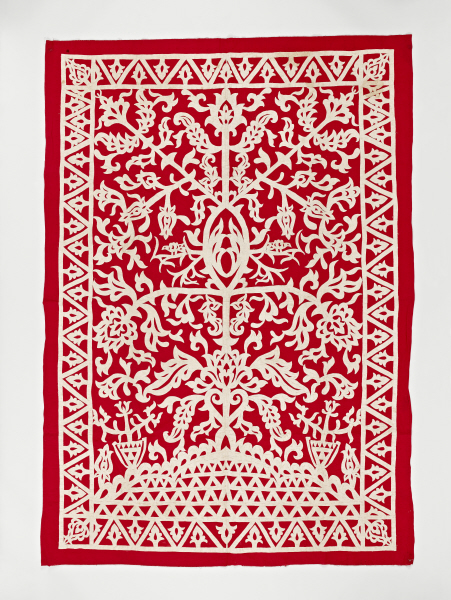 Red to white appliqué hanging, Philippines, used for weddings and other religious holidays. Musée du quai Branly