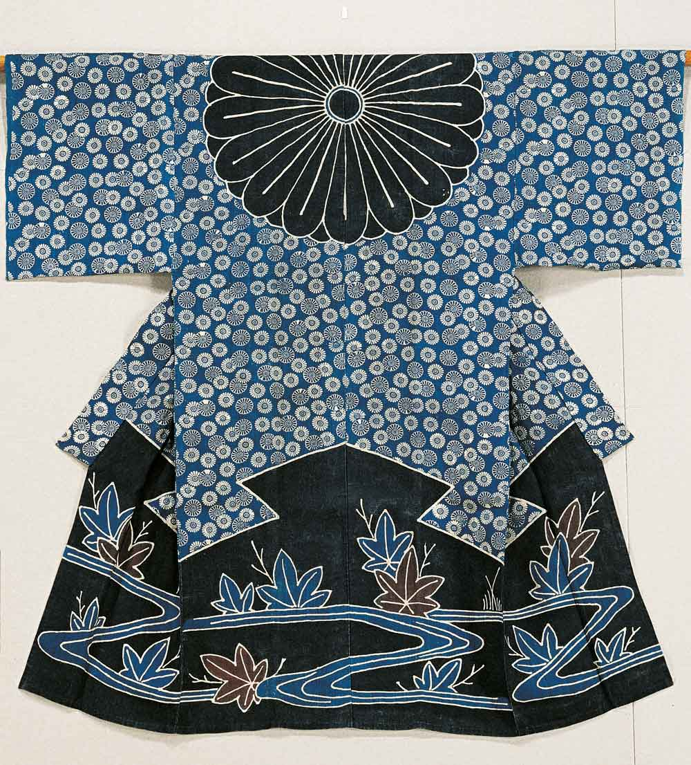 Woman's kimono worn as a veil (kazuki), River and Japanese maple leaves motif, Japan, linen fabric, partially stencil-dyed tsutsugaki, 134.6 x 134.1 cm, Private Collection
