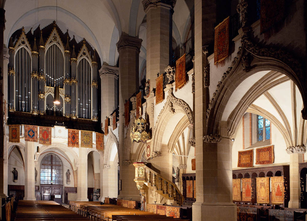 17a Black Church Aisle new photo with Transylvanian rugs