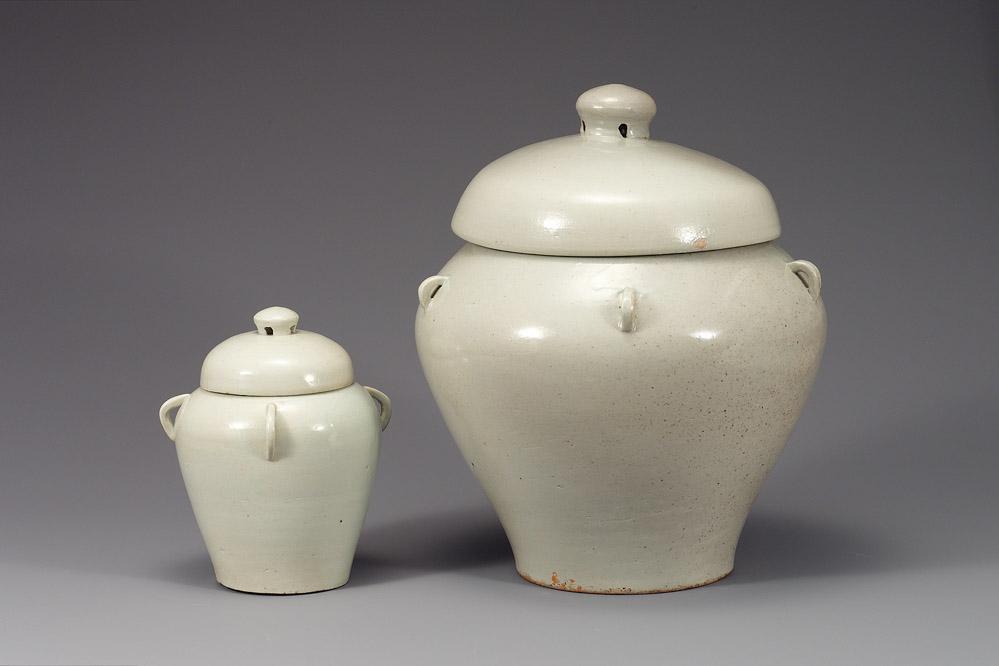 AAM IGS --3.1-.2-- Placenta jars of Princess Myeong-an NMK 3 asian art museum