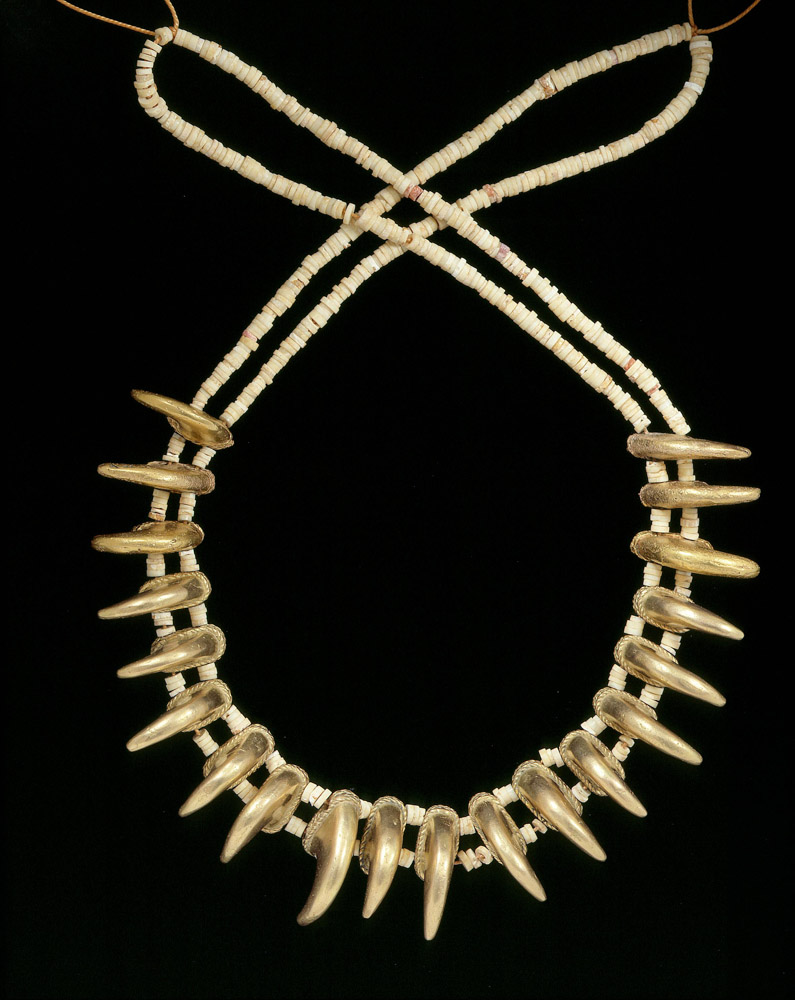 Necklace with claw shaped beads, Zenu, gold alloy, 200BC-AD1000. Copyright Museo del Oro, Banco de la Republica, Colombia