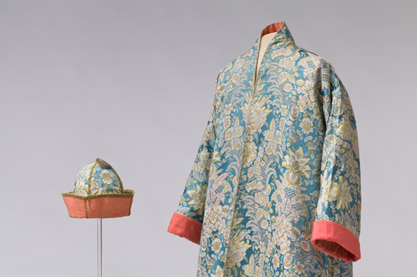 Male silk banyan with matching cap, Italy, 1720–1730 ©Abegg-Stiftung, CH-3132 Riggisberg (photo: Christoph von Viràg)