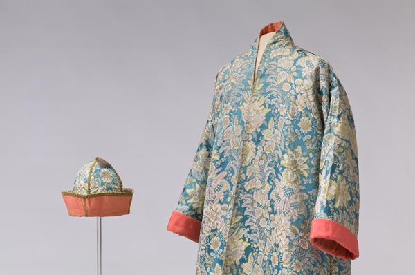 Male silk banyan with matching cap, Italy, 1720–1730 ©Abegg-Stiftung, CH-3132 Riggisberg (photo: Christoph von Viràg)