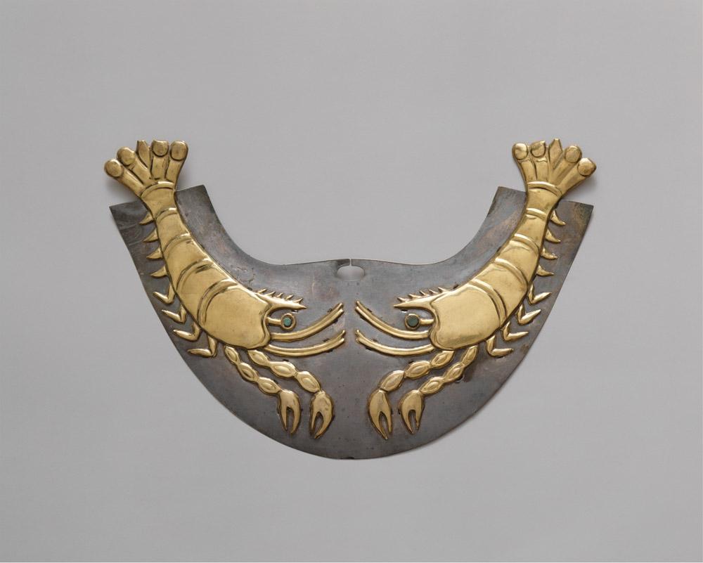 Gold and silver nose ornament with shrimp, Moche (Loma Negra), Peru, 390-450