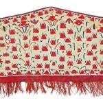 Lot 166: Tekke embroidered asmalyk, Turkmenistan circa 1820, 4ft. 7.5in. x 2ft. 3.5in. Estimate: € 7,000 – 9,000