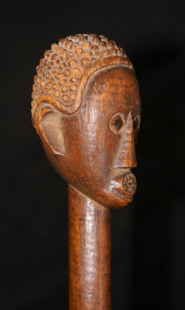 reweb,AdamProut-C19thStaff(detail),by-the-Master-Of-The-Round-Mouth,-Venda-People,-S-Africa,-125cm-long