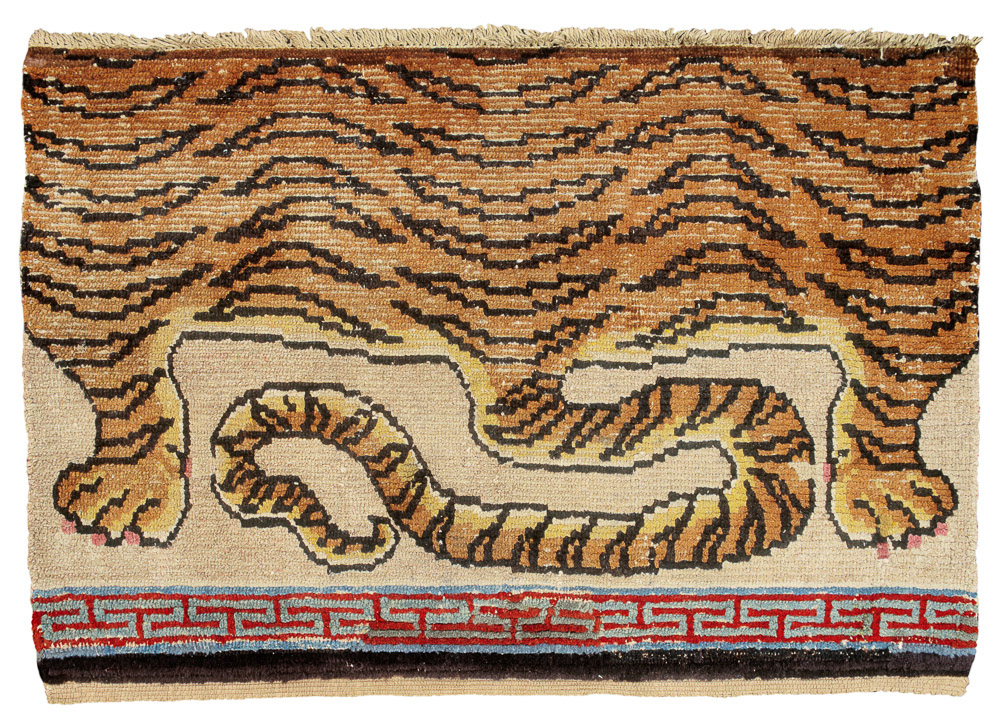 MICHAEL-WOERNER-exhibition-Early-Tibetan-Rugs-Six-Masterpieces-from-the-Piccus-Collection-at-COLOGNE-FINE-ART-no.-1-Seat-cover-with-Tiger-pelt-19th-cent.-96.5-x-66-cm1
