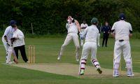 Danny-Clark-takes-a-sharp-return-catch-2