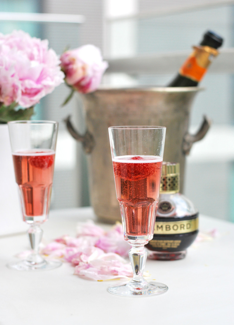 chambord-champagne-glasses