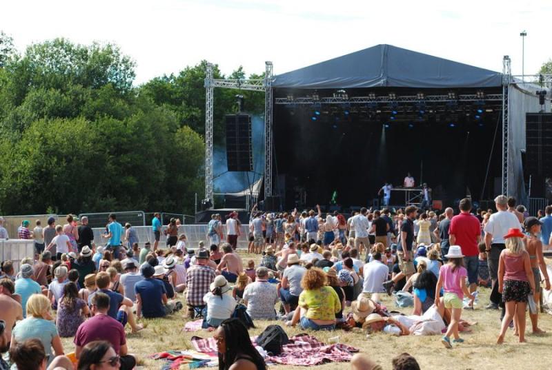 forgotten-fields-festival-main-stage