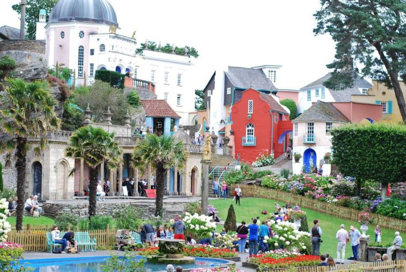 portmeirion-red