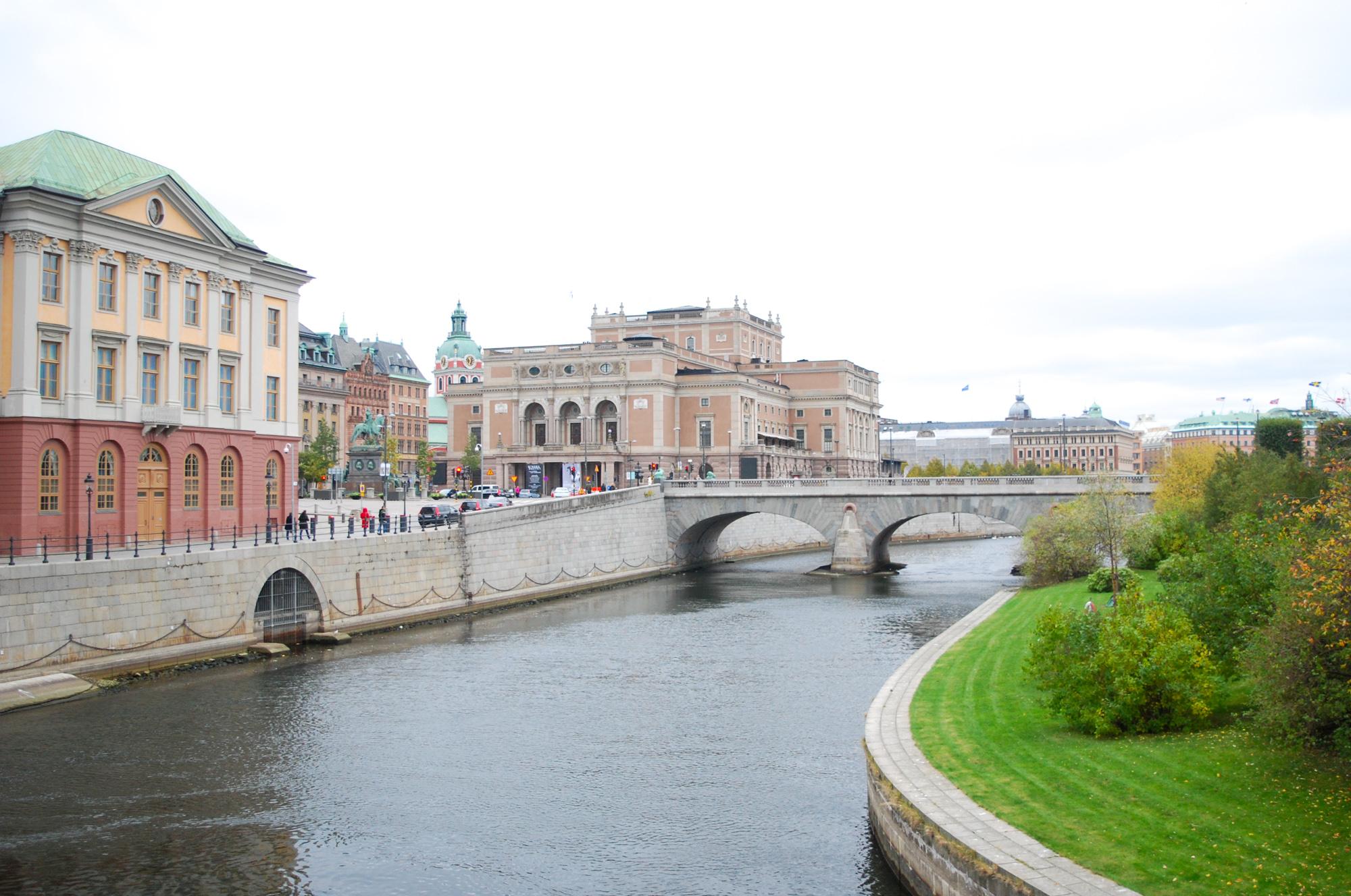 stockholm-river-bridge
