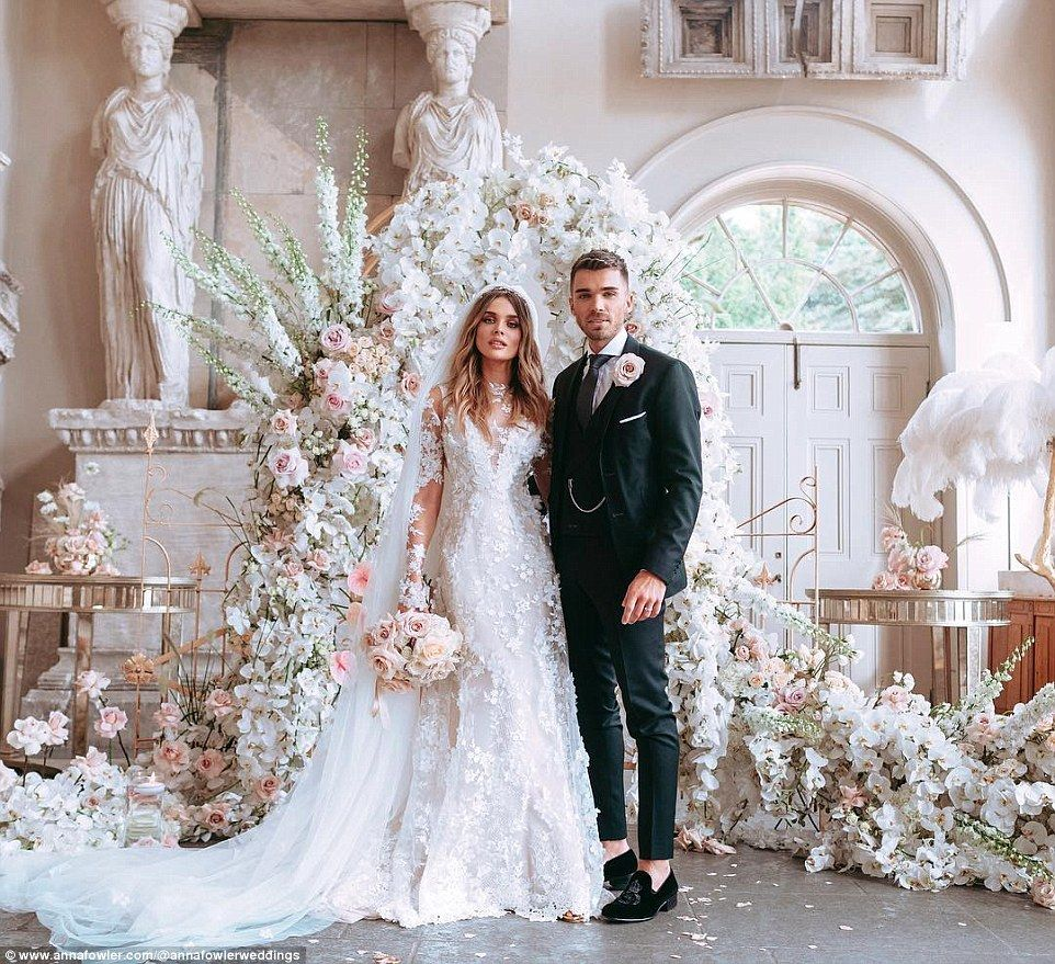 Chloe-lloyd-wedding-flowers-all for love london