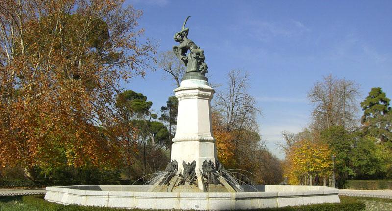 Estatua Ángel Caído