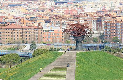 Lee más sobre el artículo La Dama del Manzanares y su panorámica de Madrid