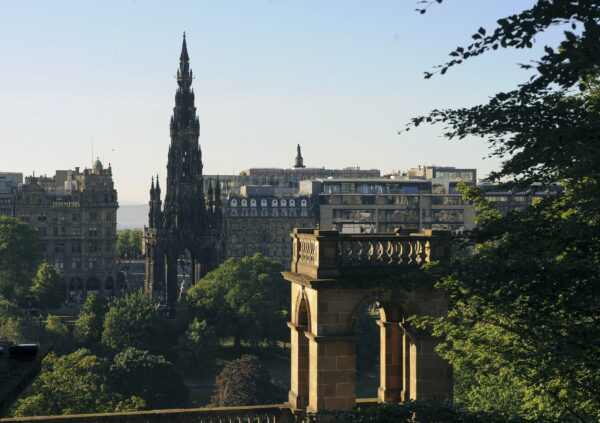 Edinburgh skyline with Scott Monument