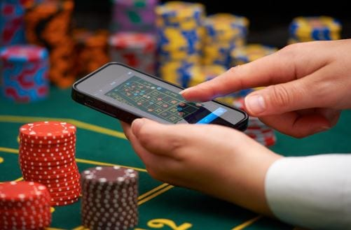 Play Online Casino Games on Mobile Today