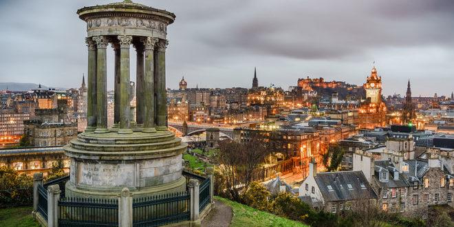 Edinburgh from Calton Hill (2015) Giuseppe Milo (CC-BY)