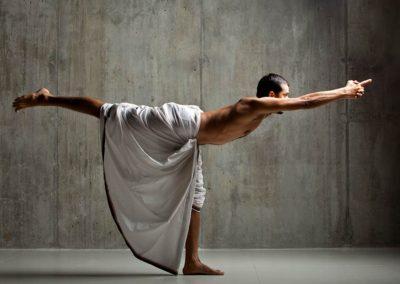 Virabhadrasana III, Yogi Trupta - Oil Yoga