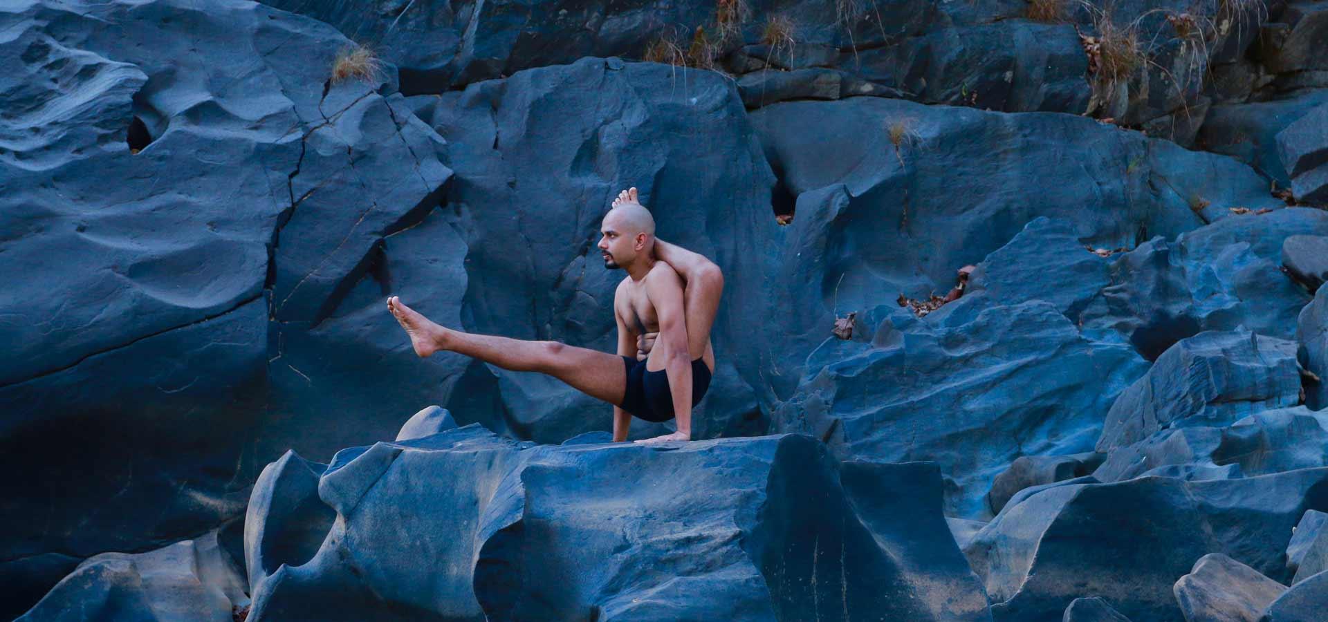 Oil Yoga and Mahanysa Yoga with Yogi Trupta