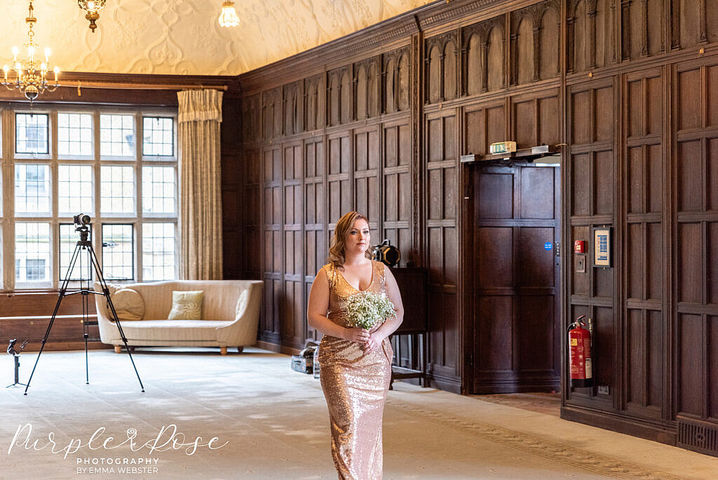 Bridesmaid arriving at the ceremony