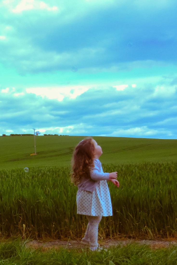 alyssa looking up at the sky