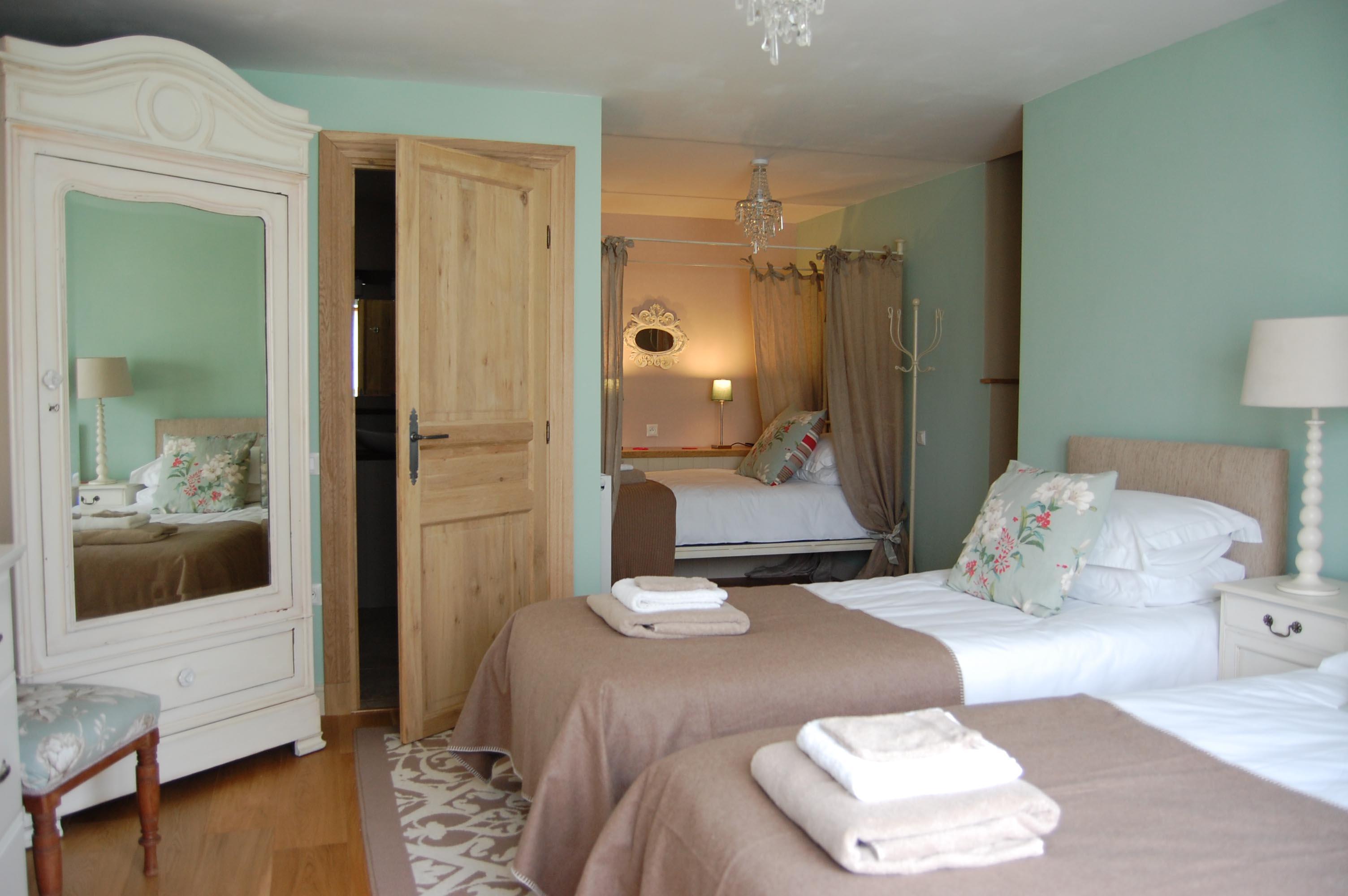 Le Duq with single beds
