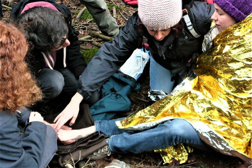 Erste Hilfe outdoor; Erste Hilfe im Gelände