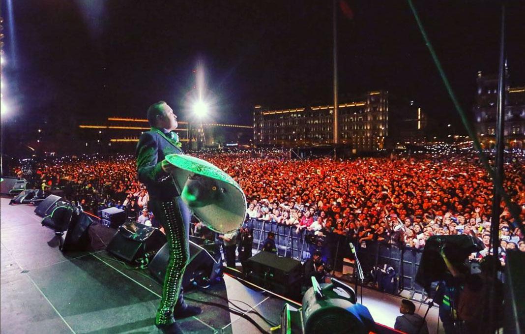 Pepe Aguilar puso como siempre en alto la música mexicana