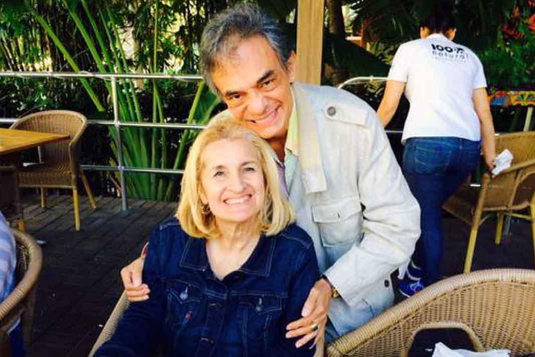 José José y su esposa Sarita siguen tan enamorados como siempre