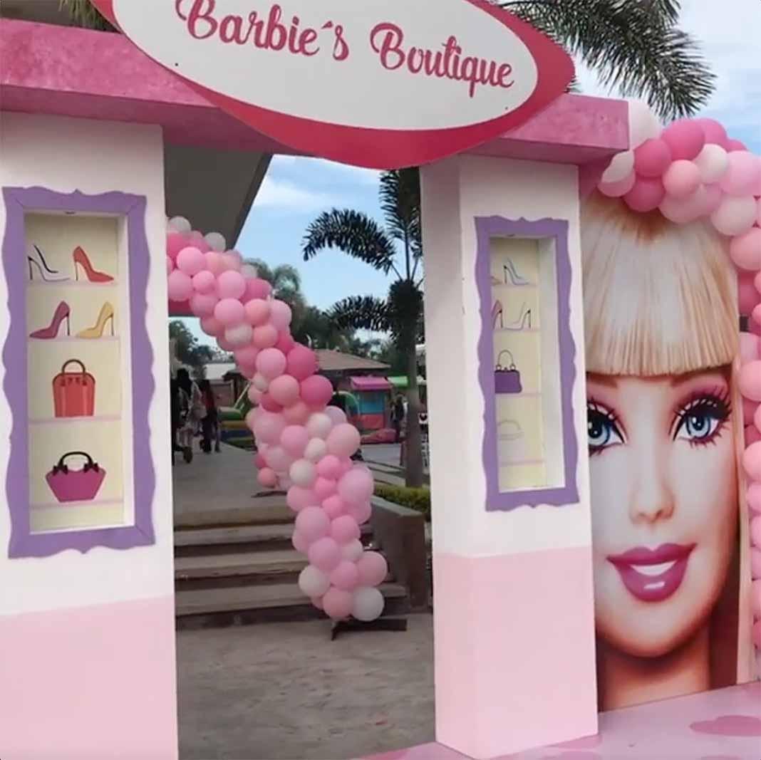Otro aspecto de lo que había atrás de la Boutique de la Barbie