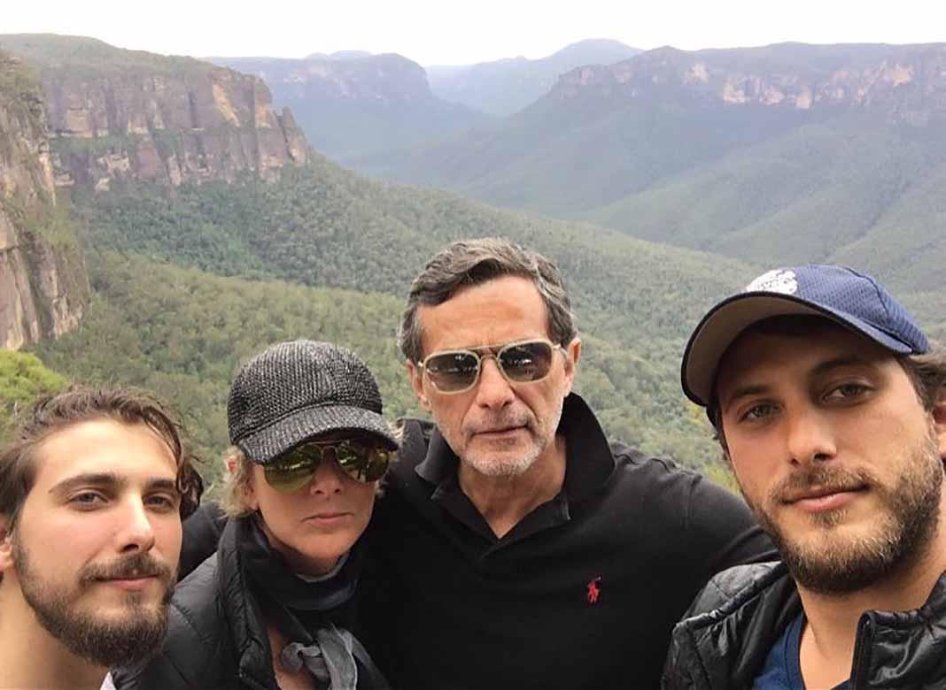 De las poquitas fotos que los cuatro han compartido juntos