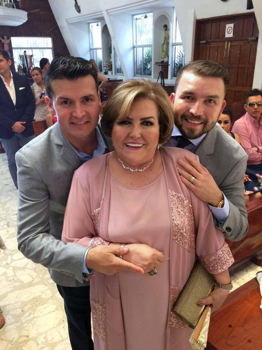 Doña Chuyita es viuda de don Cruz Lizárraga y mamá de Poncho y Joel Lizárraga, de Banda El Recodo