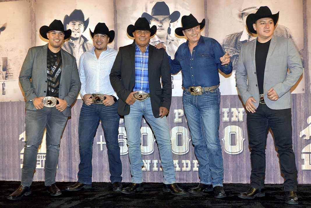 Los realizadores de la serie de Bronco tampoco buscaron a Oscar Flores para indagar sobre el grupo